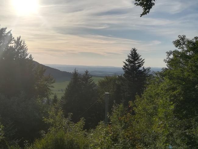 Aussicht vom Motschenloch bis in den Schwarzwald