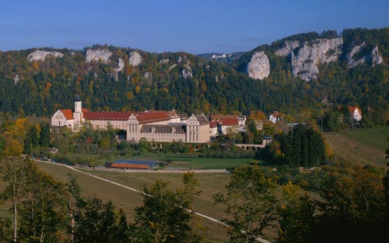 Das Kloster in Beuron im Donautal am Nachmittag
