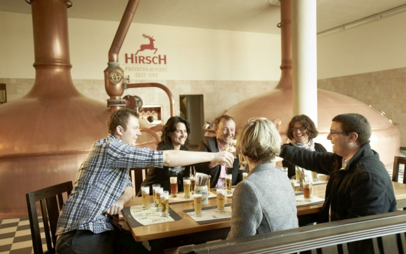 Bier genißene in der Hirsch-Brauerei Wurmlingen im DonauBierland